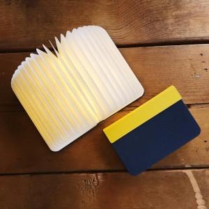 Mini lámpara libro